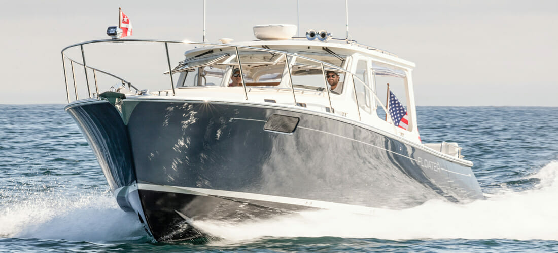 Floater-Luxury-Private-Charter